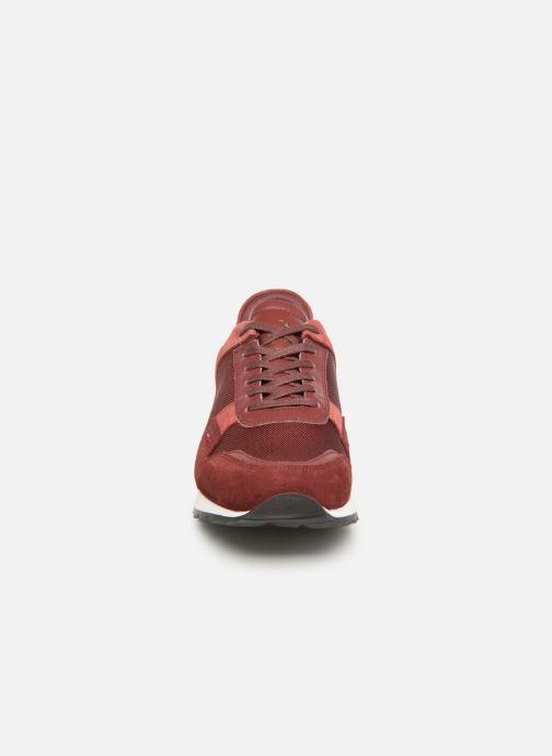 Sneakers Le Coq Sportif Challenger Rosso modello indossato