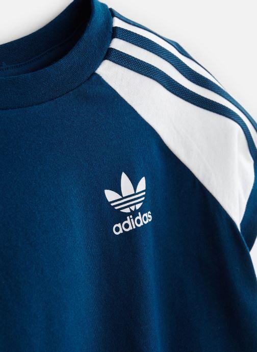 Ropa Adidas Originals 3Stripes Tee K Azul vista del modelo