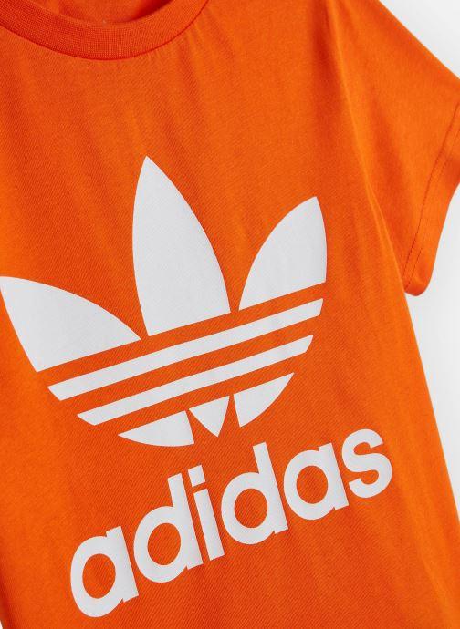 Vêtements adidas originals Trefoil Tee J Orange vue portées chaussures