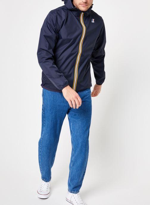 Vêtements K-Way  LE VRAI 3.0 CLAUDE Bleu vue bas / vue portée sac