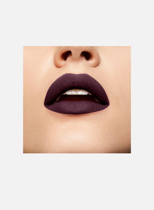 Produits d'entretien Puma x Maybelline New York Superstay Matte Ink Violet vue derrière