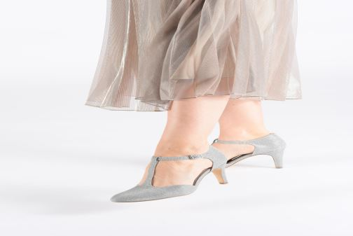 High heels Tamaris Suri 1 Silver view from underneath / model view