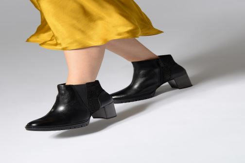 Ankle boots Tamaris Fee Bottines Black view from underneath / model view
