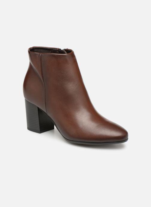 Boots en enkellaarsjes Tamaris Base Bruin detail
