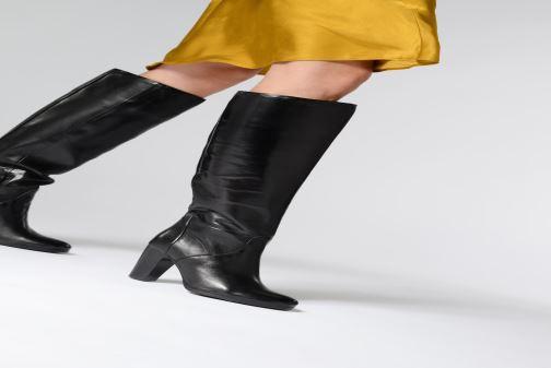 Stiefel Tamaris Bonny braun ansicht von unten / tasche getragen