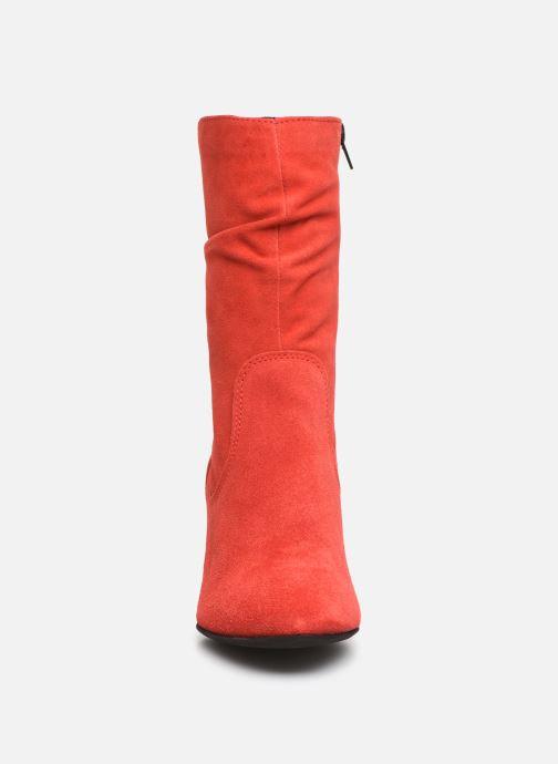 Bottines et boots Tamaris Juna Rouge vue portées chaussures