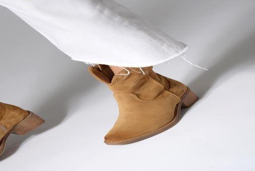 Bottines et boots Tamaris Glamo Rouge vue bas / vue portée sac