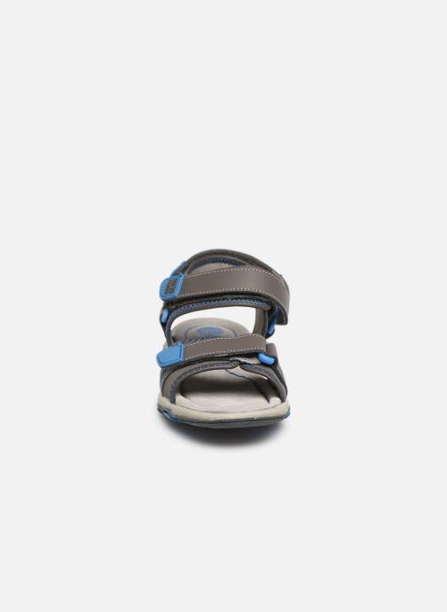 Sandalen Gioseppo 43561-0001 grau schuhe getragen