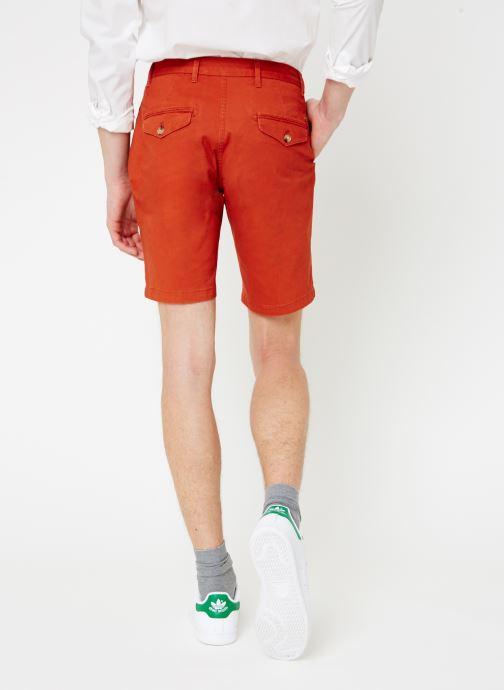 Vêtements Scotch & Soda Classic cotton/elastane chino short Rouge vue portées chaussures