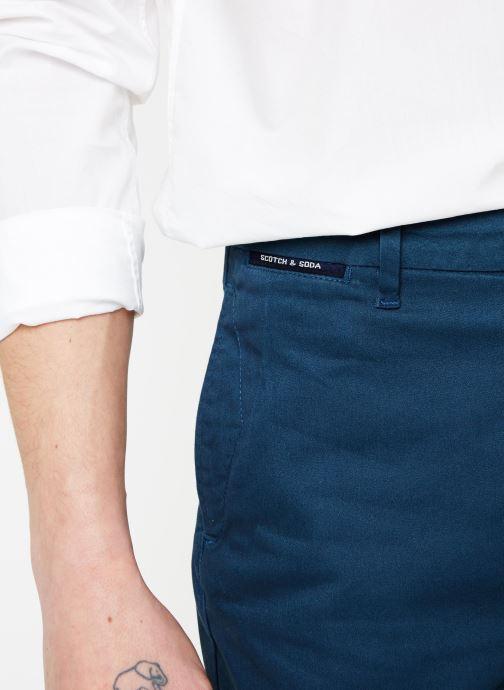 Vêtements Scotch & Soda Classic cotton/elastane chino short Bleu vue face