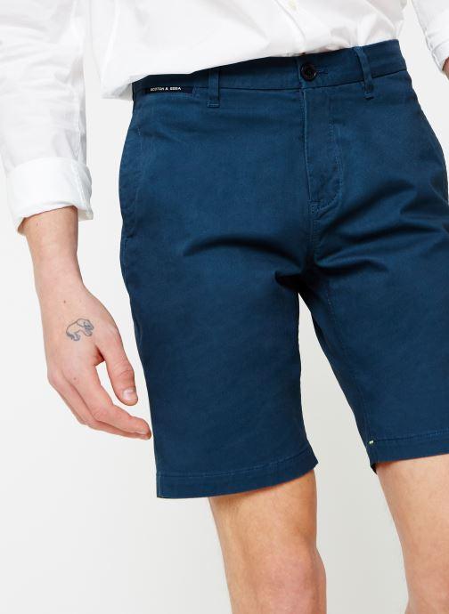 Vêtements Scotch & Soda Classic cotton/elastane chino short Bleu vue détail/paire