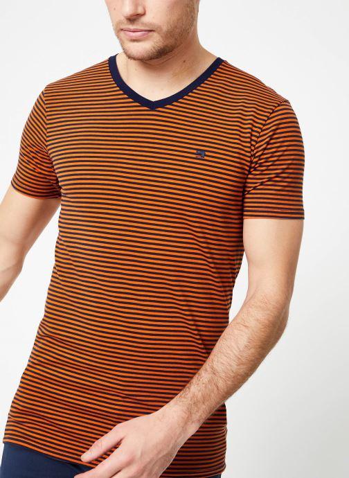 Vêtements Scotch & Soda Classic cotton/elastane v-neck tee Marron vue détail/paire