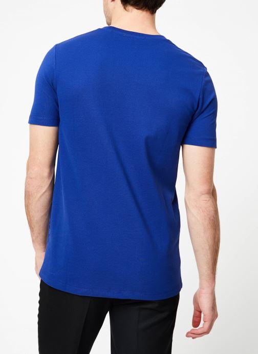 Vêtements Scotch & Soda Crewneck tee in lightweight pique quality Bleu vue portées chaussures