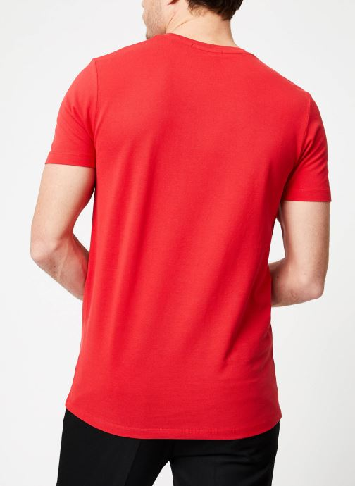 Vêtements Scotch & Soda Crewneck tee in lightweight pique quality Rouge vue portées chaussures