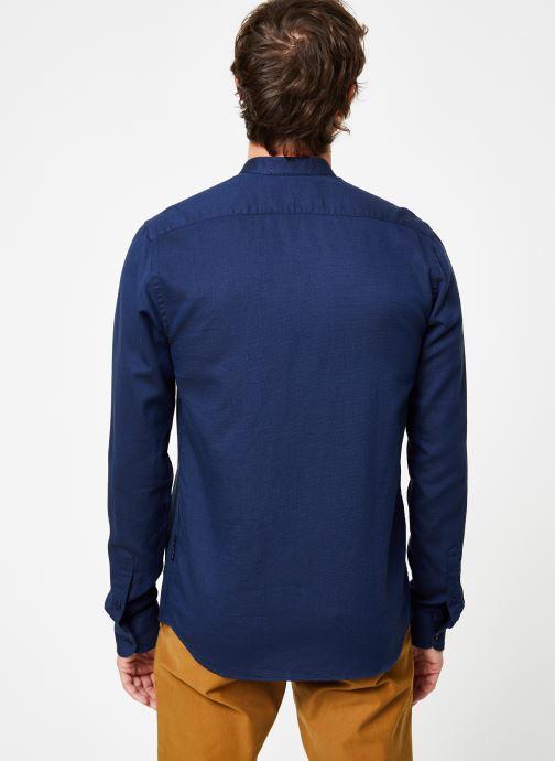 Vêtements Scotch & Soda REGULAR FIT - Chic collarless shirt in structure Bleu vue portées chaussures