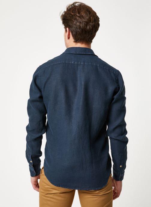 Vêtements Scotch & Soda REGULAR FIT - Garment dyed linen shirt Noir vue portées chaussures