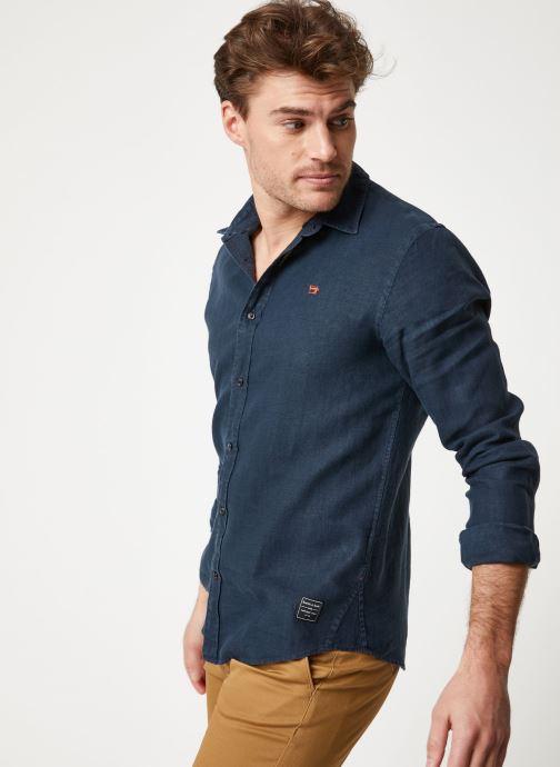 Vêtements Scotch & Soda REGULAR FIT - Garment dyed linen shirt Noir vue détail/paire