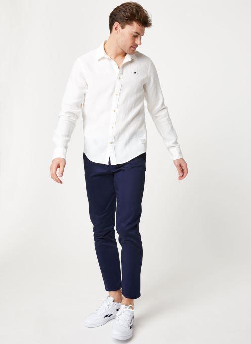 Vêtements Scotch & Soda REGULAR FIT - Garment dyed linen shirt Blanc vue bas / vue portée sac