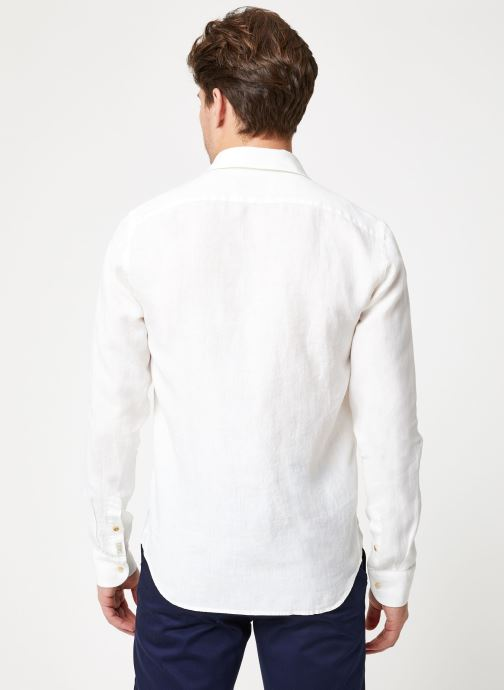 Vêtements Scotch & Soda REGULAR FIT - Garment dyed linen shirt Blanc vue portées chaussures