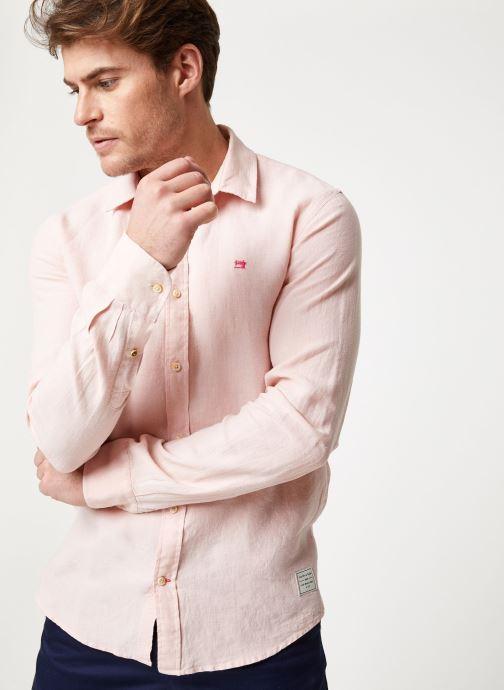 Vêtements Scotch & Soda REGULAR FIT - Garment dyed linen shirt Rose vue détail/paire