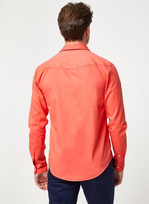 Vêtements Scotch & Soda REGULAR FIT- Classic garment dyed shirt Rouge vue portées chaussures