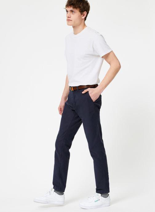 Vêtements Scotch & Soda STUART-Classic garment dyed chino Bleu vue bas / vue portée sac