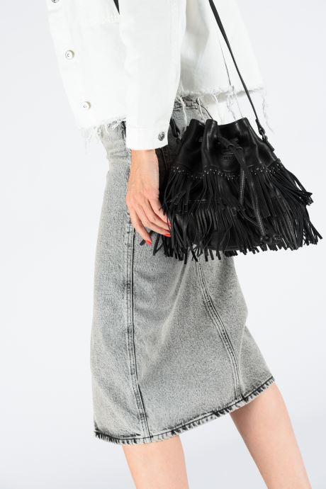 Handtaschen IKKS Women Shopper schwarz ansicht von unten / tasche getragen
