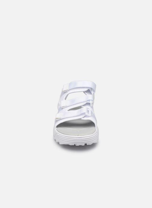Sandales et nu-pieds FILA Disruptor Sandal Wmn Blanc vue portées chaussures