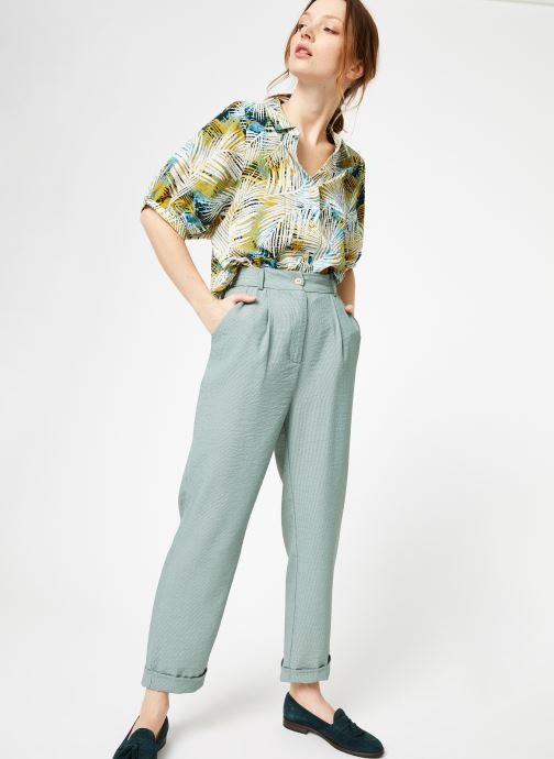 Vêtements Yuka Pantalon Chicago Vert vue détail/paire