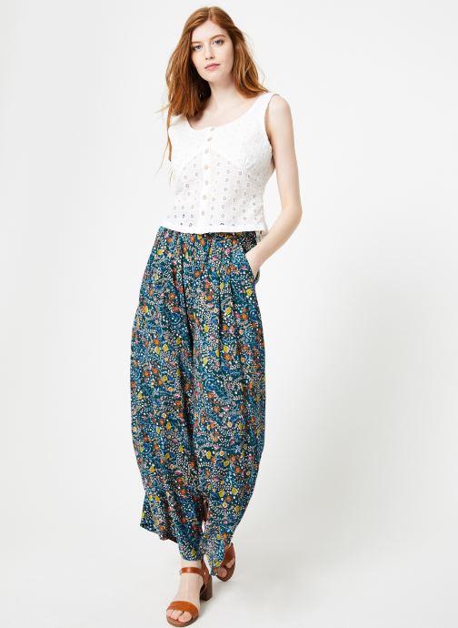 Vêtements Yuka Top Maya Blanc vue bas / vue portée sac