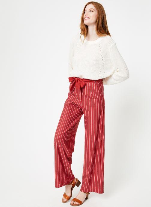 Vêtements Yuka Pull Helen Blanc vue bas / vue portée sac