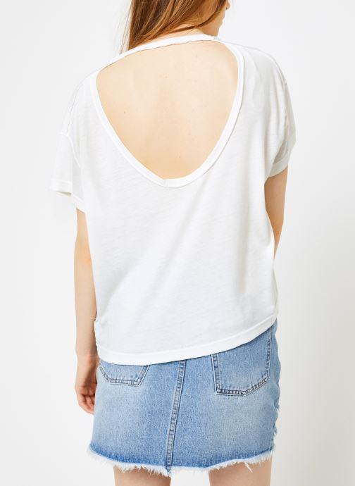 Vêtements Free People ALL MINE TEE Blanc vue portées chaussures