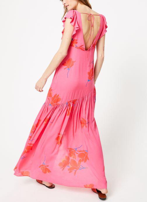 Vêtements Free People SHE'S A WATERFALL MAXI Rose vue portées chaussures