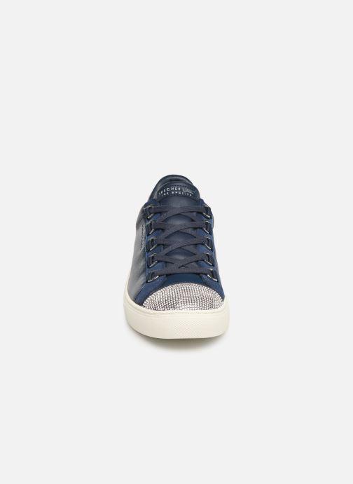 Sneakers Skechers Side Street W Azzurro modello indossato