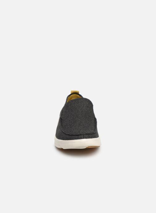 Sneakers Skechers Moogen Nero modello indossato