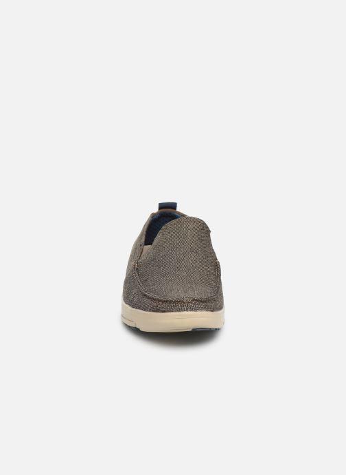 Sneakers Skechers Moogen Marrone modello indossato