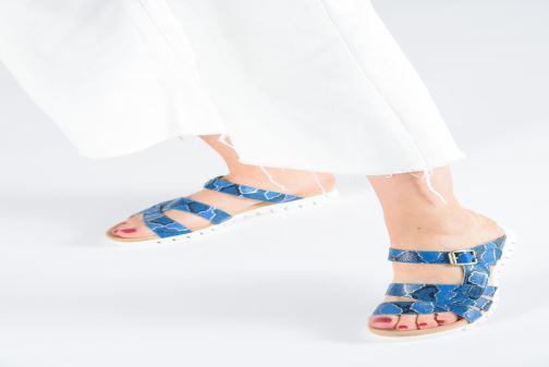 Sandales et nu-pieds Laura Vita Dobby 05 Bleu vue bas / vue portée sac