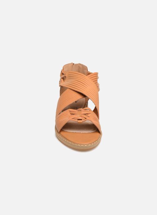 Sandales et nu-pieds Vanessa Wu SD1244 Marron vue portées chaussures