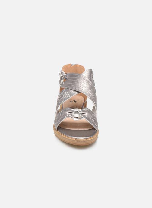 Sandali e scarpe aperte Vanessa Wu SD1244 Argento modello indossato