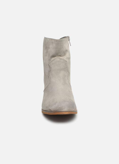 Bottines et boots Vanessa Wu BT1607 Gris vue portées chaussures