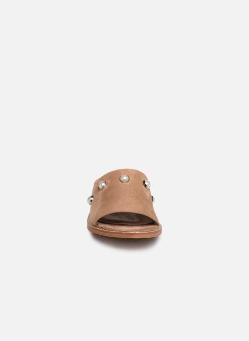 Mules et sabots Vanessa Wu SD1739 Beige vue portées chaussures