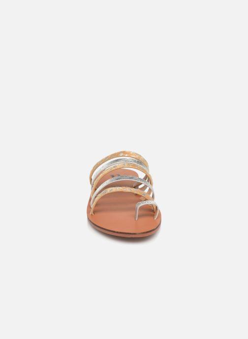 Mules et sabots Vanessa Wu SD1713 Argent vue portées chaussures