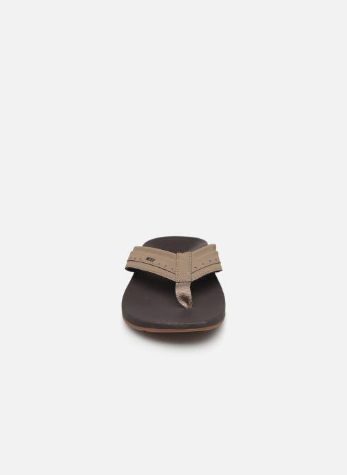 Infradito Reef Ortho-Spring Beige modello indossato