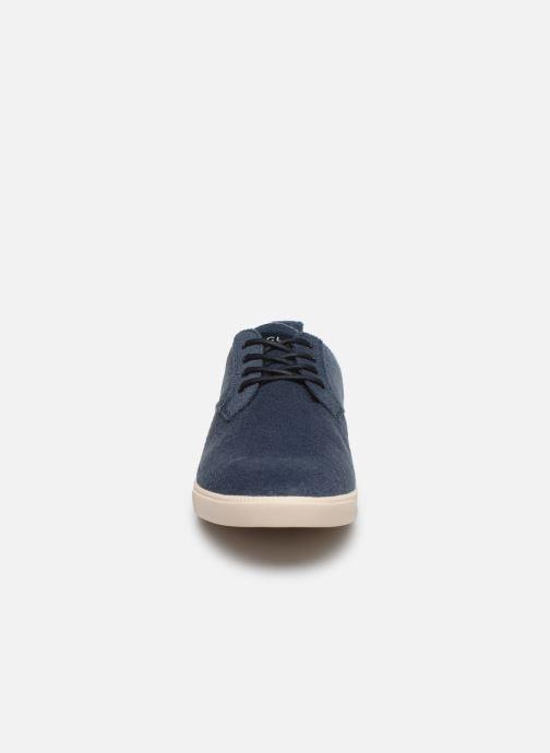 Sneakers Clae Ellington Textile Azzurro modello indossato