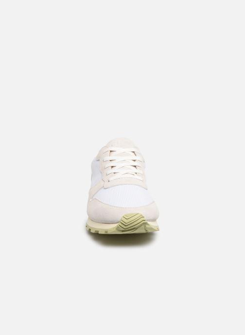 Sneakers Clae Hayward Bianco modello indossato