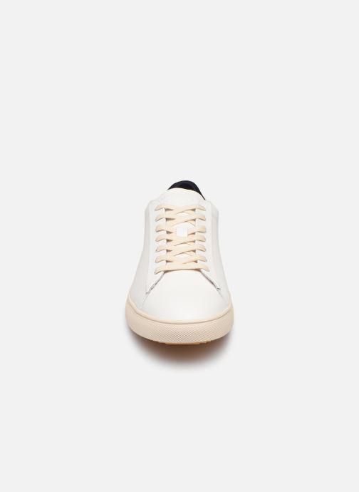 Baskets Clae Bradley W Blanc vue portées chaussures