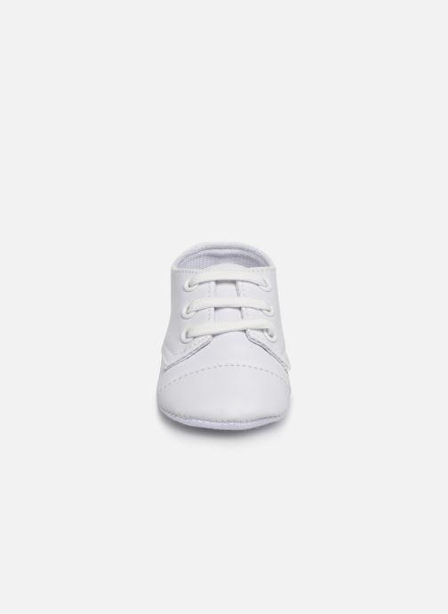 Baskets I Love Shoes chaussures céremonie lacets Blanc vue portées chaussures