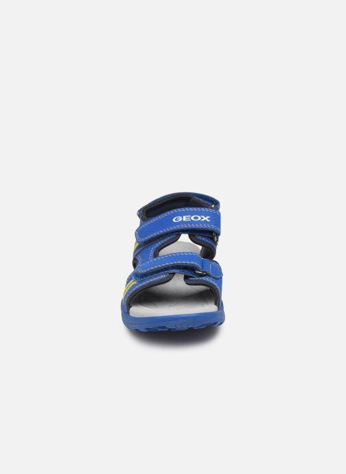 Sandales et nu-pieds Geox J Vaniett Boy Bleu vue portées chaussures