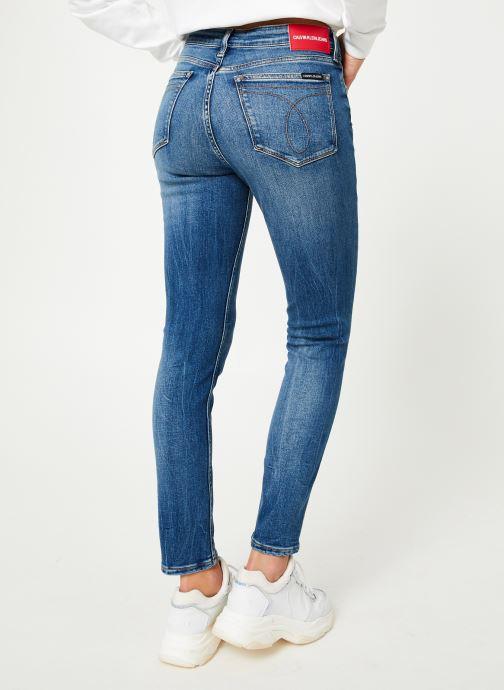 Vêtements Calvin Klein Jeans CKJ 011 MID RISE SKINNY ANKLE Bleu vue portées chaussures