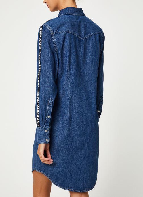 Vêtements Calvin Klein Jeans FOUNDATION WESTERN DRESS Bleu vue portées chaussures